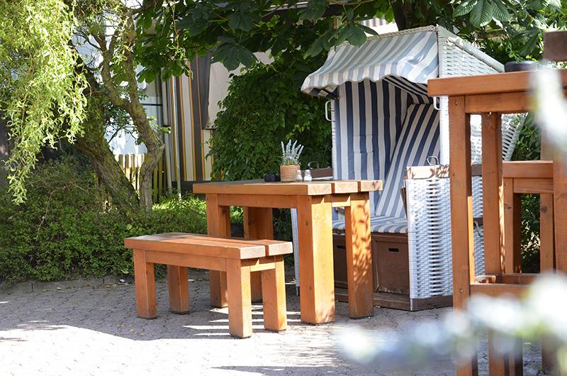 Wattenlöper Camping Cuxhaven, Strandkorb im Biergarten