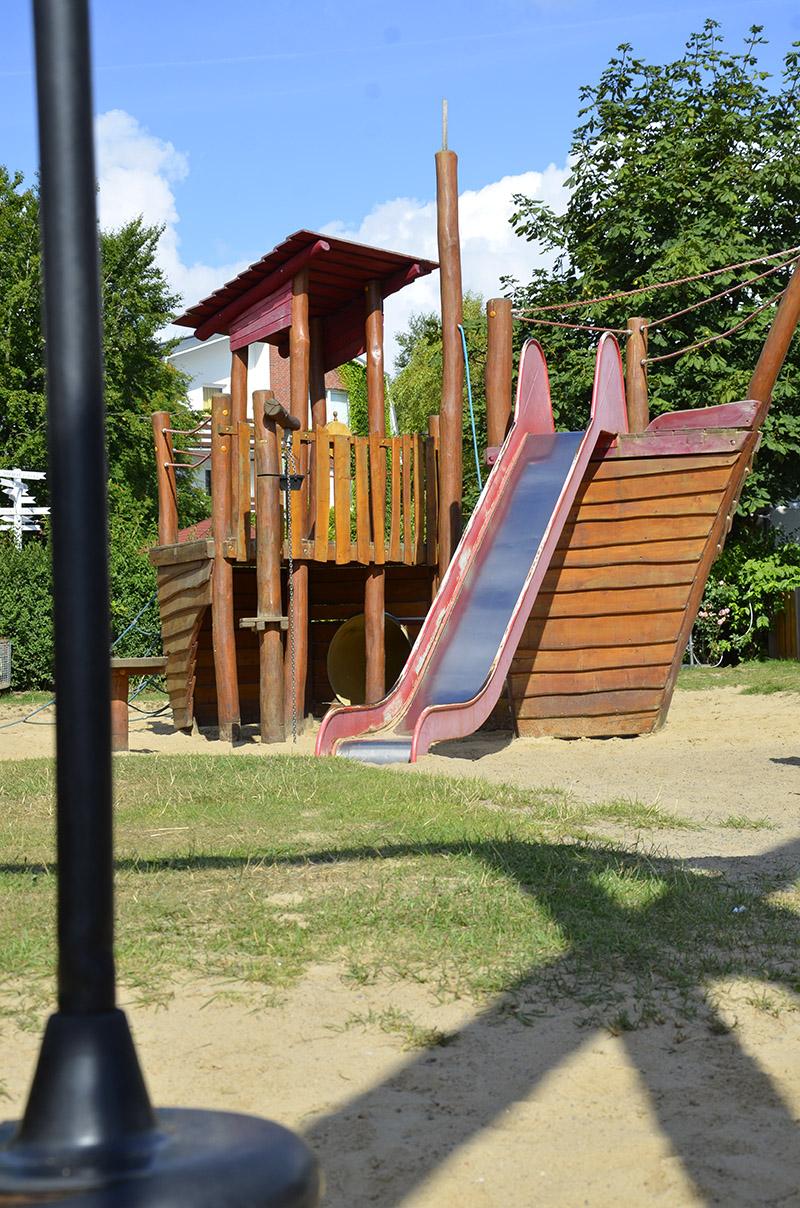 Wattenlöper Camping Cuxhaven, Spielplatz, Rutsche, Kinderfreundlich
